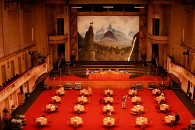 item5.rendition.slideshowHorizontal.grand-budapest-hotel-set-06-hotel-dining-room
