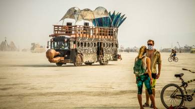 lets-travel-to-nevada-usa-burning-man-festival-with-travis-white-13